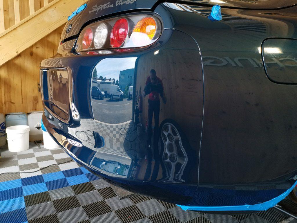 Supra MK4 dans le local de Rectif'Cars pendant la prestation